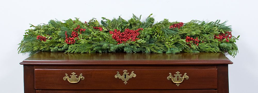 Festive Boxwood Runner