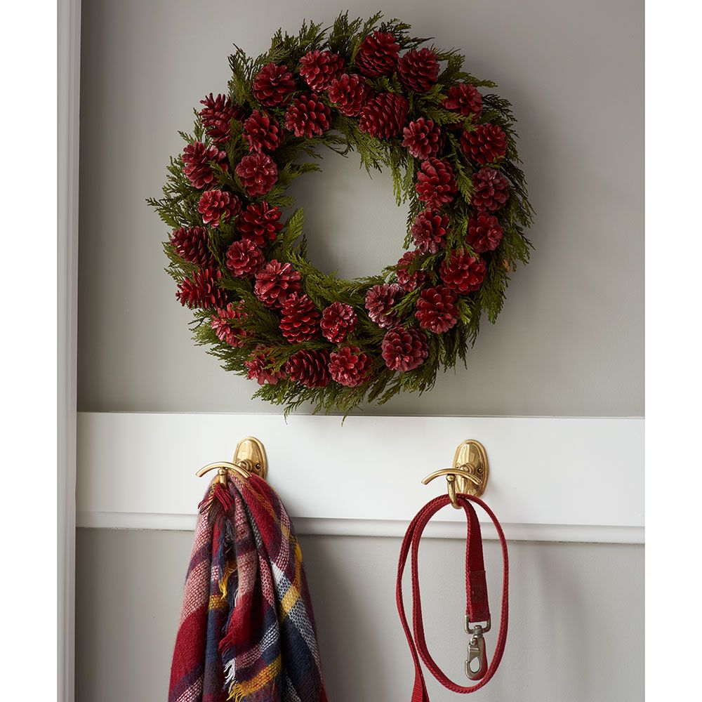 Pine Cone Party Holiday Wreath