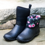 New England Weather Boots, black/rose - Standard Shipping Included