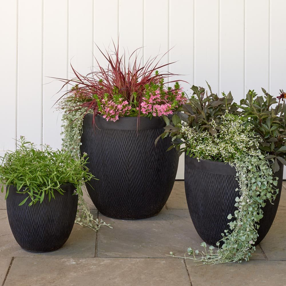 Kent Round Planter, black