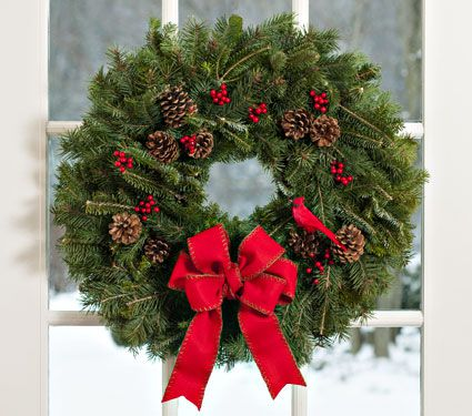 Holiday Cardinal Wreath, 24